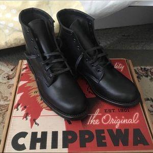 Chippewa 6 inch black service boots - NWOT